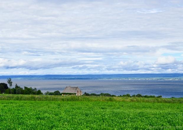 Acadian Style Home Île d'Orleans - Québec City