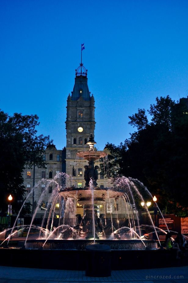 Parliament Building and Tourny Fountain - Québec City